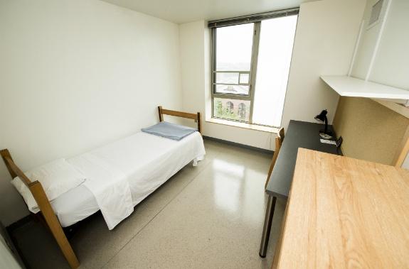 Tufts-University-Sophia-Gordon-Soph-Bedroom-1.jpg