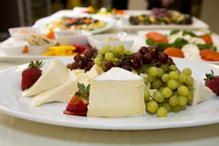 Tufts-University-Tufts-Catering-Cheese-Fruit-Platter.jpg
